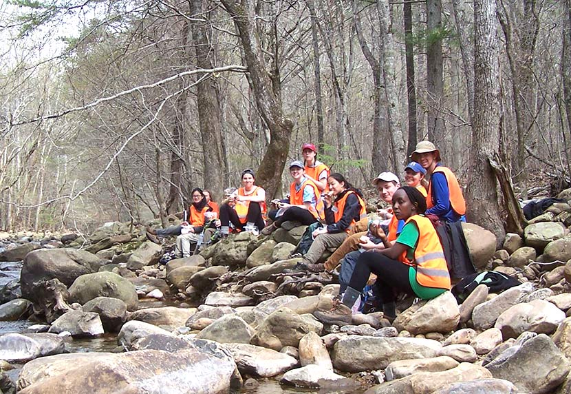 Hamilton College students take a lunch break next to Roaring Creek near Dayton, TN 2016 (Richie)